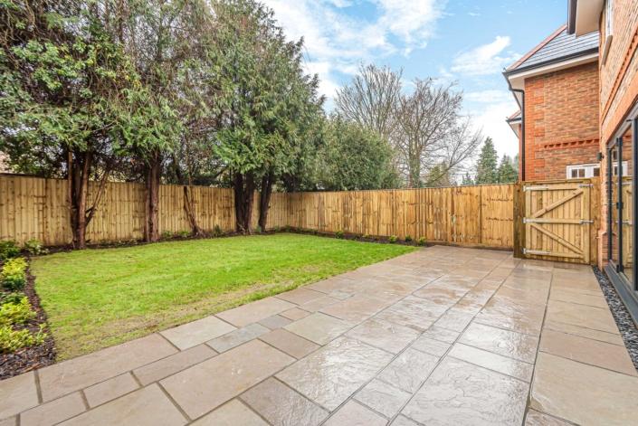 Abbey Court landscaped garden