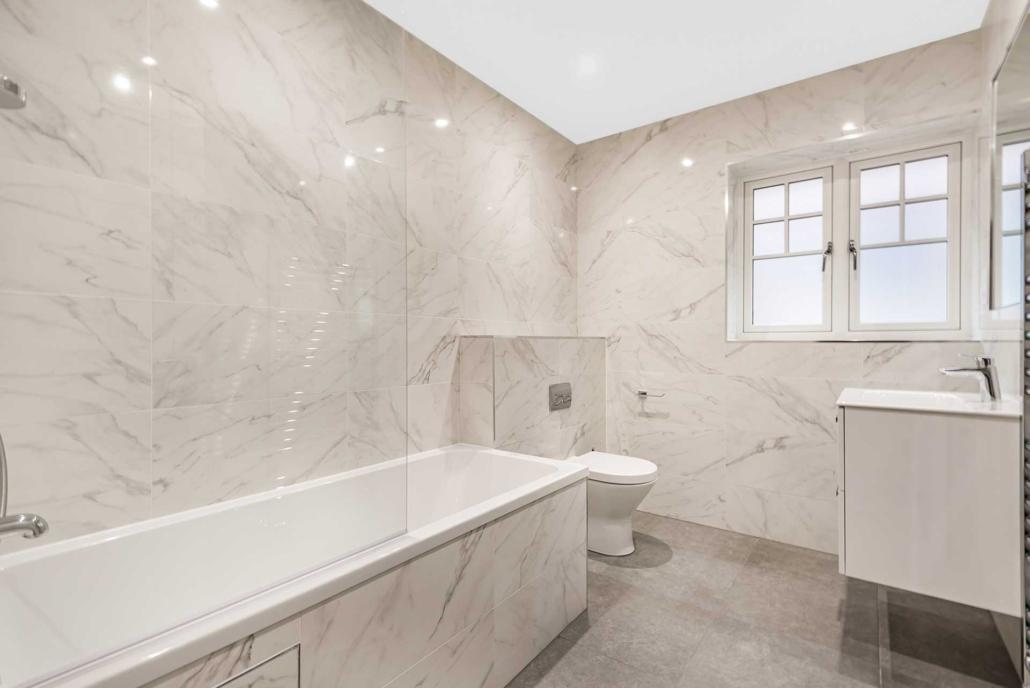 Abbey Court bathroom